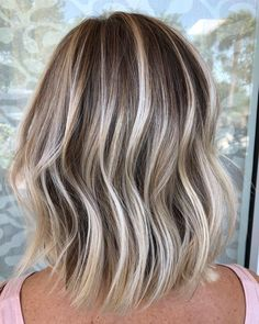 Dimensional Blonde Balayage Lob for Thin Hair - Hair Balayage Lob, Balayage Highlights, Reverse Balayage, Blonde Highlights Short Hair, Lob For Thin Hair, Medium Hair Styles, Short Hair Styles, Short To Medium Hair, Dimensional Blonde