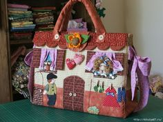 Another cute bag. Patchwork Bags, Quilted Bag, Bag Quilt, Creative Bag, Unique Purses, Fabric Bags, Kids Bags, Cute Bags, Beautiful Bags