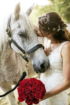 The bride with her horse! I LOVE this!