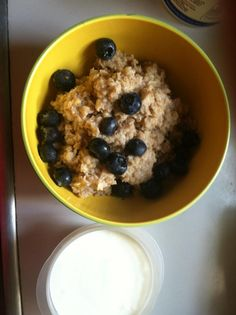 DAY 2 RESET-- BREAKFAST  Oatmeal with Blueberries and Plain Organic Yogurt  http://www.dothereset.com