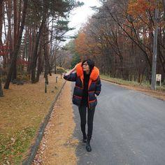 いいね!3,598件、コメント28件 ― 田丸麻紀(@tamarumaki)のInstagramアカウント: 「冬の小淵沢 紅葉も綺麗で気持ち良い。  寒いのは覚悟していたけれど 想像以上に寒かった  このきーーーん!とした寒さ 冬って感じで 結構好き。」