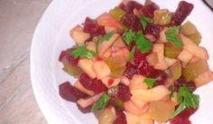 Fotorecept: Cviklový bulharský šalát Fruit Salad, Food, Fruit Salads, Essen, Meals, Yemek, Eten