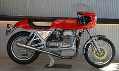 Arturo Magni is best known for his racing exploits with MV Agusta. While managing MV's racing department, the team won a remarkable 75 world championships and over 3,000 races in several classes. After MV retired from racing in the late 70s, Magni and his sons set up a factory to build 'specials', and in the…