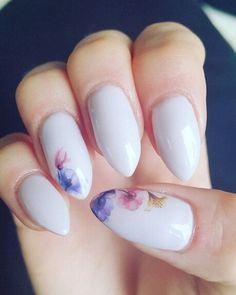 DS255 DIY Nails Art Sticker Flowers Nail Sticker – simple designs are easy to follow for even the novice and are a great way to get started in your own nail fashion designs.