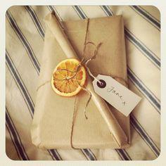 DIY Xmas decs! Dried oranges perfect for added decoration!