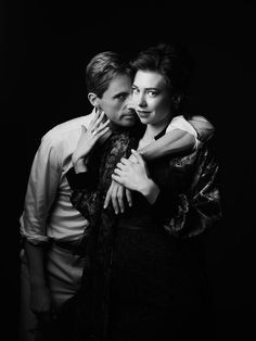 Vanity Fair exclusive character portraits of The Crown Season Matthew Goode and Vanessa Kirby photographed by Jason Bell Netflix. Vanessa Kirby The Crown, The Crown Season 2, Second Season, Princesa Margaret, Crown Tv, The Crown Series, Crown Netflix, Mathew Goode, Crown Aesthetic
