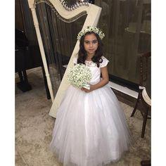 Do desfile de ontem @magnific_eventos @giselytheodorocerimonial @elianebuque @jaidalopes @allangarciapersonal #festainfantil #pajemcasadehonra #damascasadehonra #daminhas #damasdehonra #princesas #principe #pajem #amooquefaço
