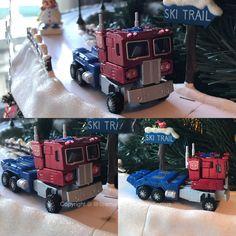 Rolling around the Christmas Tree! Robotmasters RM-10 Optimus Prime
