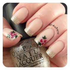 Barry M Nude + OPI My Favorite Ornament + Alpine Snow + All I Want For Christmas + China Glaze Glittering Garland christmastoes Cute Christmas Nails, Holiday Nails, Christmas China, Christmas Nail Polish, Cute Nails, Pretty Nails, Hair And Nails, My Nails, Nagel Hacks