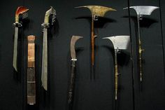 Igorot+Weapons+with+their+axe.jpg (579×386)