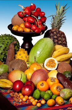 Fresh Fruits And Vegetables, Fruit And Veg, Fruit Juice, Fruit Plants, Fruit Trees, Fruits Photos, Colombian Food, Sugar Scrub Diy, Fruit Photography