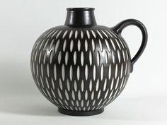 Studio ceramic vase Wilhelm and Elly Kuch dark by TomsVintageSalon