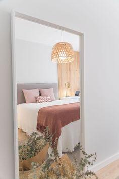 Meegroei bed kiezen IKEA | Stek Magazine Bedroom Images, Bedroom Pictures, Bedroom Ideas, Bedroom Decor, Ways To Organize Your Room, Hotel Bedroom Design, Master Bedroom Design, Nachhaltiges Design, Accent Walls In Living Room