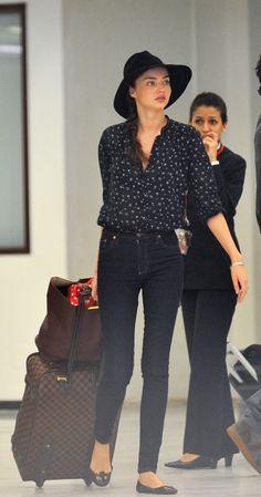 Miranda Kerr's chic airport style.