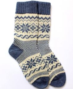 Classic Scandinavian Wool Socks with patterns. Women and Men wool socks. Classic Scandinavian Wool Socks with patterns. Women and Men Always aspired to figure out how to knit, nonetheless uncle. Fair Isle Knitting, Knitting Socks, Baby Knitting, Knit Socks, Knitting Machine, Debbie Macomber, Woolen Socks, Holiday Socks, Warm Socks