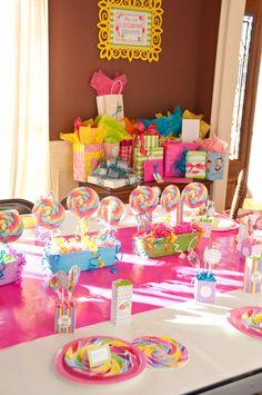 Piper's Lollipop Shoppe | CatchMyParty.com