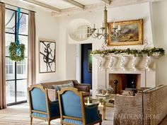 Turquoise Christmas decor isn't just for the beach! Interior designers Will Huff and Heather Dewberry of Huff-Dewberry used a range of pretty blue hues in this gorgeous Atlanta home all decke… Turquoise Christmas, House Of Turquoise, Atlanta Homes, Dining Room Walls, Traditional House, Traditional Design, Historic Homes, Living Area, Living Room