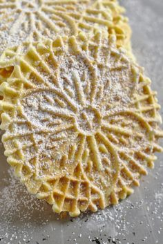 Classic Vanilla Pizzelle Recipe-A straightforward Pizzelle recipe for the old classic Italian cookie. Gently sweetened and flavored with vanilla or anise, they happen to be ideal for. Pizelle Recipe, Spritz Cookie Recipe, Spritz Cookies, Cookie Recipes, Dessert Recipes, Pizzelle Cookies, Cookies Et Biscuits, Christmas Cookie Exchange, Christmas Cookies