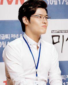Kang Ha Neul at the Misaeng Press Conference Korean Idols, Korean Drama, Asian Actors, Korean Actors, Kang Haneul, Oh My Venus, Joo Hyuk, Soap Stars, Yook Sungjae