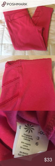 Athleta Yoga Capris Super fun details, organic cotton EUC. Athleta Pants Capris