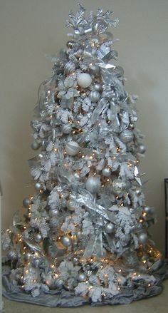 christmas tree with silver white decoration   White on White Flocked Christmas Tree   Flickr - Photo Sharing!
