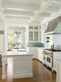 Professional kitchen, white and silver - stunning! #kitchen #kitchens #kitchenideas #beachcottageskitchen