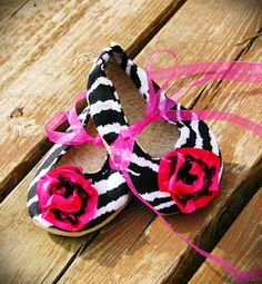 If I had a baby girl, she'd wear these shoes evvvvvvery day!