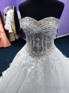 80 nejlepších obrázků na Pinterestu na téma svatební šaty  e71b1e429f1