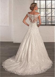 Gorgeous Tulle Off-the-Shoulder Neckline A-line Wedding Dresses with Lace Appliques
