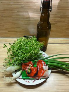 Jak si připravit marinády na grilování | recepty Seaweed Salad, Green Beans, Grilling, Chicken, Meat, Vegetables, Ethnic Recipes, Food, Vegetable Recipes