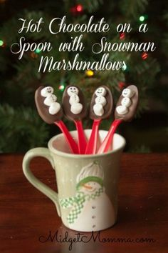 These snowman hot chocolate spoons are a fun way to turn a warm mug milk to yummy hot chocolate. Just place the spoon into a cup of warm milk and stir until the chocolate (Hot Chocolate Bars) Christmas Snacks, Christmas Cooking, Christmas Goodies, Christmas Candy, Holiday Treats, Christmas Holidays, Holiday Fun, Christmas Gifts, Xmas