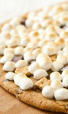 Grilled Chocolate Chip S'more Pizza - easy to make on the grill or in the oven... and who doesn't love s'mores?!