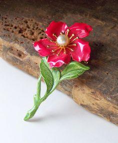 Pretty floral pin