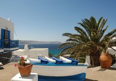 A chic spa hotel in beautiful Mykonos, including breakfast, a complimentary treatment, welcome drinks and transfers