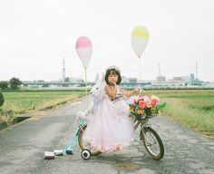 20 Frickin' Adorable Photos Of A Girl And Her Imagination Nagano Toyokazu photographs his daughter, Kanna, on the same road in a variety of situations. The result is waaay too cute to handle.