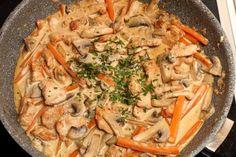 BLW-Rezept für Putengeschnetzeltes mit Champignons und Karotten, Baby led weaning Rezept Pute, Essen für den Übergang zum Familientisch, Kochen für Babys