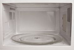 Clean your dirty microwave quickly with these easy steps. The best way to clean a microwave will need water, vinegar or lemon, and a few minutes of cleaning time. Diy Cleaners, Cleaners Homemade, Cleaning Recipes, Cleaning Hacks, Deep Cleaning, Spring Cleaning, Vinegar Uses, Clean Freak, Natural Cleaning Products