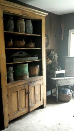 Love this Cabinet Primitive Cabinets, Old Cabinets, Primitive Kitchen, Primitive Furniture, Primitive Antiques, Country Primitive, Primitive Decor, Cupboards, Antique Furniture