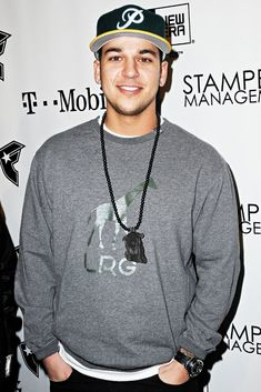 Photo of Rob Kardashian - The Famous Stars & Straps Anniversary and Snoop Dog's Studio Album Celebrations - Picture Browse more than pictures of celebrity and movie on AceShowbiz. Robert Kardashian Jr, Most Beautiful Man, Beautiful People, Amazing People, Kylie Scott, Famous Stars And Straps, Jenner Family, Kardashian Jenner, Home