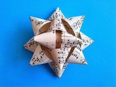 Vánoční hvězda, dárky Christmas star, presents Christmas Star, Origami, Stars, Ornaments, Xmas, Manualidades, Origami Paper, Sterne, Origami Art
