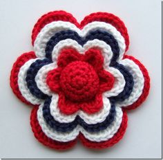 Sols(tr)ikke: Hekleblomst Little Flower (English translation available) Love Crochet, Crochet Motif, Crochet Stitches, Knit Crochet, Beautiful Crochet, Knitted Flowers, Crochet Flower Patterns, Crochet Crafts, Yarn Crafts