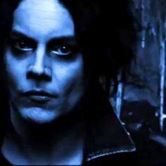 Looking kinda like Johnny Depp here.
