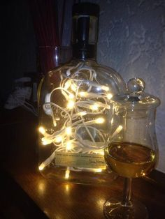 Woodford Reserve  Whiskey Flasche beleuchtet von Taunus-Bottles auf DaWanda.com