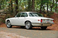 1971 Jaguar XJ6 Maintenance/restoration of old/vintage vehicles: the material for new cogs/casters/gears/pads could be cast polyamide which I (Cast polyamide) can produce. My contact: tatjana.alic@windowslive.com