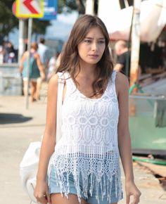 Turkish Fashion, Turkish Beauty, Korean Fashion, Modest Fashion, Boho Fashion, Girl Fashion, Fashion Outfits, Fashion Vector, Summer Outfits