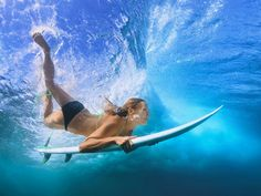 Beautiful surfer girl diving under water with surf board royalty-free stock photo Videos Instagram, Photo Instagram, Flights To Bali, Cheap Flights, Tumblr Ocean, Selfies, Surfing Tips, Moving To Hawaii, Photo Vintage