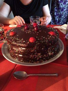 #chocolate #cake #bestcakeever #chezflopi
