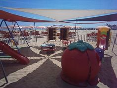 Giochi da spiaggia,Riviera Nord di Senigallia,Marche,Italia.