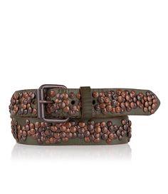 Deze stoere riem van Cowboysbag is rondom afgewerkt met koperkleurige studs. De riem is te verstellen op 5 standen.