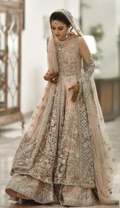 Kareena Kapoor in stunning blush pink Vikram Phadnis bridal lehenga Pakistani Wedding Outfits, Pakistani Bridal Dresses, Pakistani Wedding Dresses, Bridal Outfits, Indian Dresses, Indian Outfits, Bridal Anarkali Suits, Asian Wedding Dress, Walima Dress